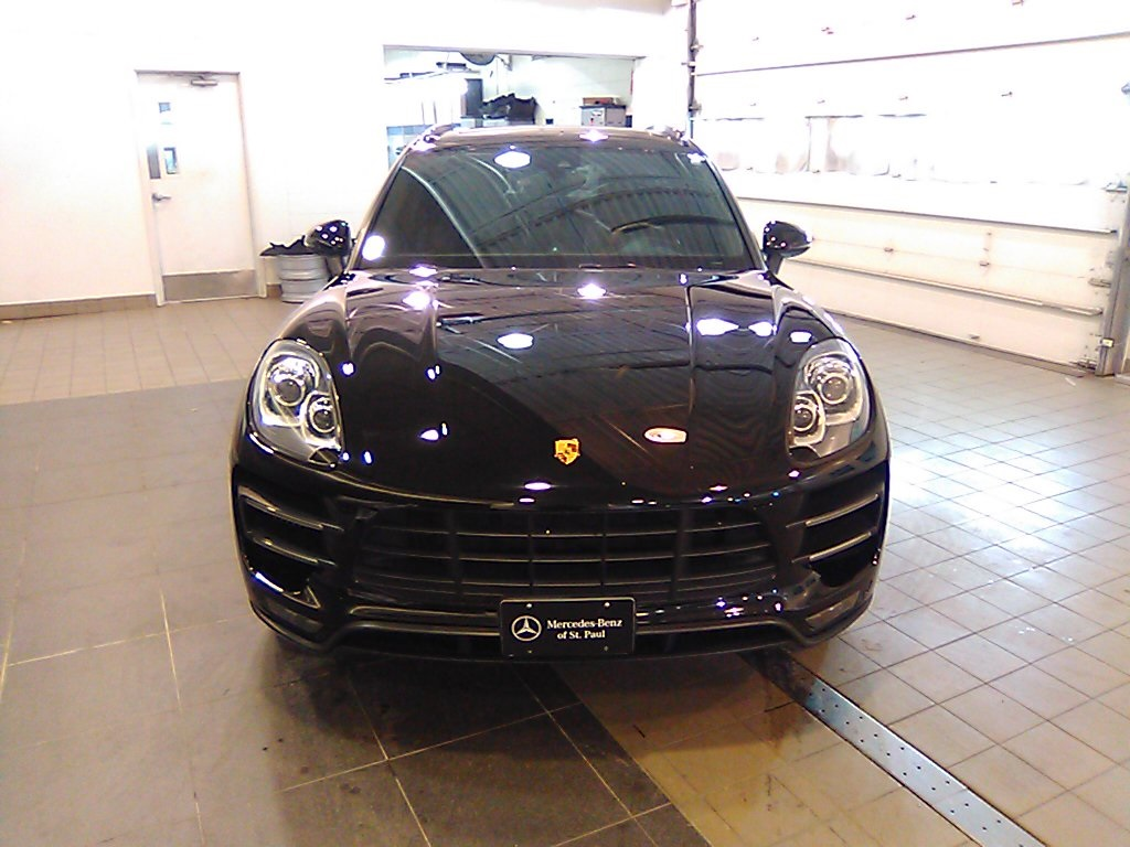 Pre-Owned 2015 Porsche Macan Turbo